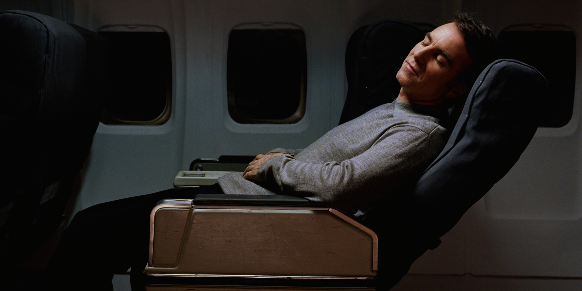 10 Ways to Get Sleep on the Plane Without Much Effort